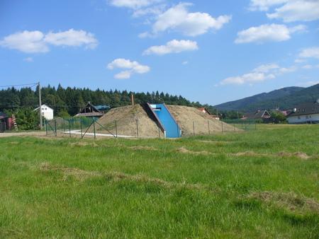 pompownia i zbiorniki na wodę przy ul. Wierzbowej j w Górkach (kliknięcie spowoduje powiększenie obrazu)